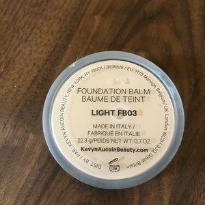 Kevyn Aucoin Foundation Balm in Light FB03